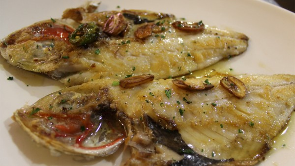 baked-sea-bream-best-seafood-fish-restaurant-valencia-spain