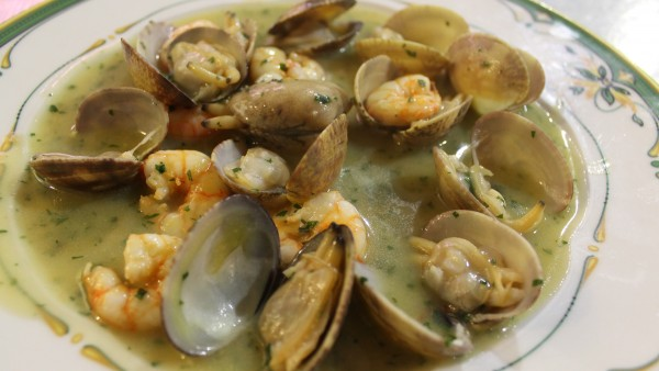 clams-with-prawns-best-seafood-restaurant-valencia-spain