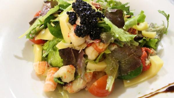 lobster-salad-seafood-restaurant-valencia-spain