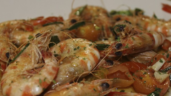 sauteed-king-prawns-with-tender-garlics-best-seafood-restaurant-valencia-spain